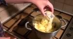 sucre sur les pommes
